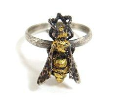 Paper Wasp Ring - Silver/Gold